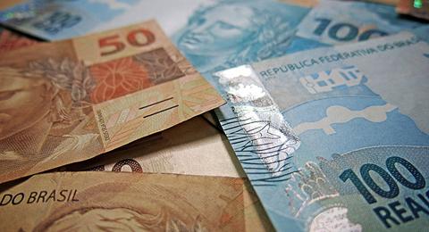 Empleados-publicos-de-Brasil-ganan-el-doble-que-en-empresas-privadas