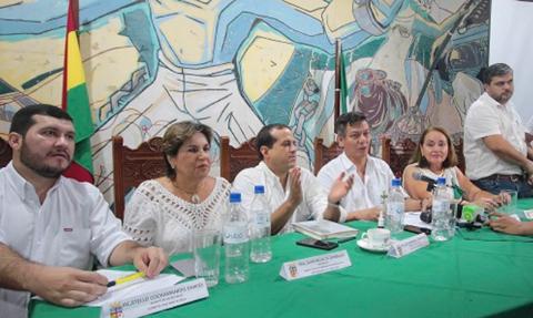 Representantes-del-Comite-Civico-Pro-Santa-Cruz-participaran-en-el-cabildo-de-La-Paz
