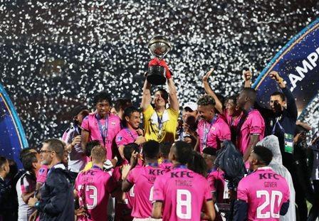 Del-Valle-festeja-la-Copa-Sudamericana