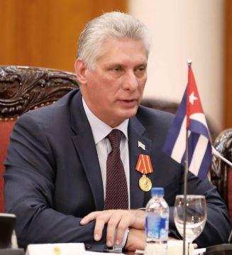 Díaz-Canel denuncia 'acoso y maltrato' contra médicos cubanos en Bolivia