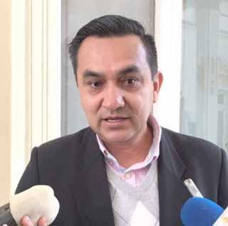 Gobierno dice que aún no aceptó la renuncia de Dockweiler