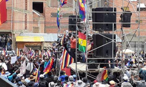 14 distritos de El Alto y 20 provincias resuelven cercar La Paz