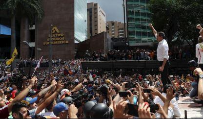 Guaido-llama-a--insistir--hasta-que-militares-le-den-la-espalda-a-Maduro