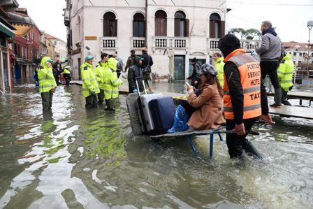El--agua-alta--no-da-tregua-en-Venecia