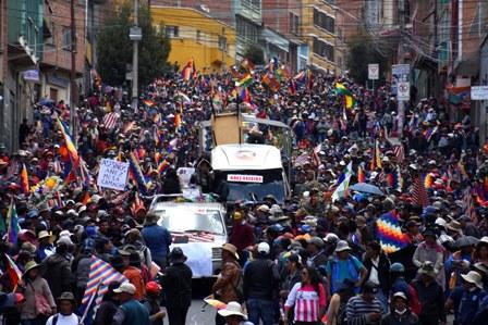 Marcha-de-Senkata-frenada-por-la-Policia-en-La-Paz