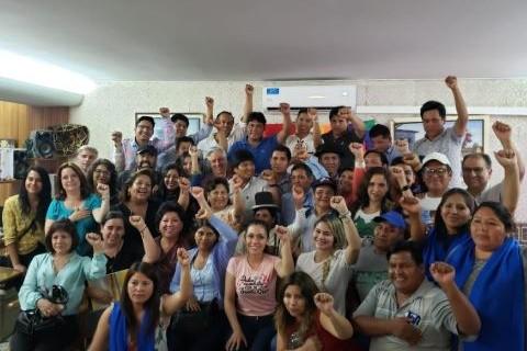 Evo-recibe-a-miembros-del-MAS-y-hace-politica-desde-Argentina