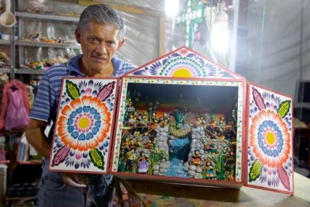El-arte-del-retablo,-Cesar-Urbano-lo-mantiene-vivo