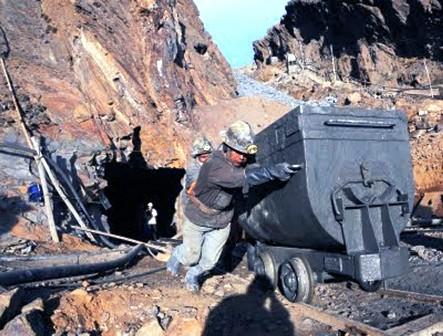 Experto-sugiere-potenciar-mineria-estatal