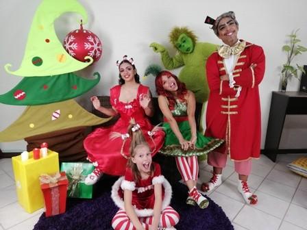 El-Grinch-y-los-Heroes-de-Navidad-en-el-Multiteatro
