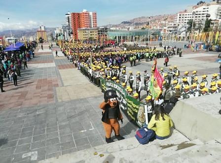 Brigadistas se gradúan en La Paz