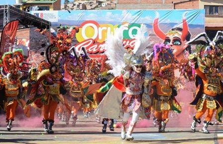 Campana-politica-queda-prohibida-en-el-Carnaval-de-Oruro