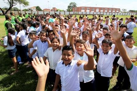 Brigadas-escolares-se-desplazan-en-los-colegios