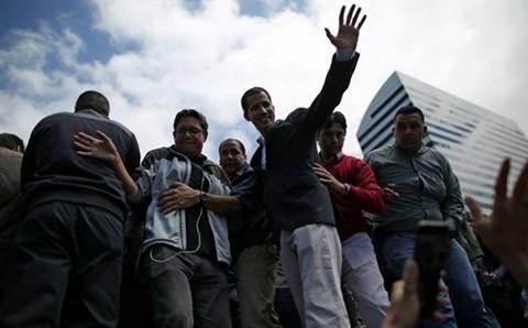 Venezuela-cierra-fronteras-maritimas-y-Guaido-anuncia-movilizacion-a-cuarteles