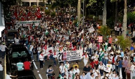 Civicos-y-Plataformas-marchan,-desde-el-Gobierno-ven-un--agotamiento--en-las-manifestaciones