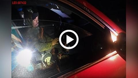 Mujer-policia-esquiva-un-disparo-y-mata-a-tiros-al-conductor-de-auto-que-la-ataco-