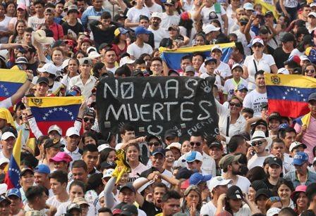 Mueren-dos-civiles-por-represion-militar,-los-indigenas-defendian-el-ingreso-de-ayuda-humanitaria-a-Venezuela