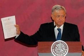 "Presidente-de-Mexico-firma-compromiso-de-no-reeleccion,-""en-2024-me-ire-alla-por-Palenque"""