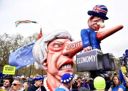 Caos-en-Londres,-exigen-otro-referendum