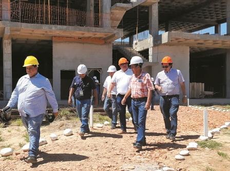 Nuevo-hospital-con-33%-de-construccion