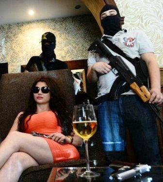 Diablo-de-mujer--China,-la-sexy-jefa--
