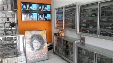 Los-discos-compactos-originales--cada-dia-son-mas-dificiles-de-comprar-en-tiendas