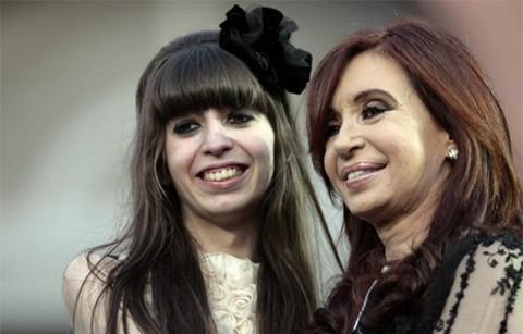 Cristina-Fernandez-viaja-a-Cuba-a-ver-a-su-hija-enferma