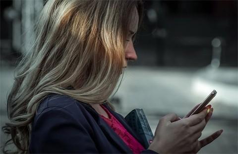 Mujer-encarcelada-por-enviar-159-mil-mensajes-a-un-hombre-exige-que-se-reabra-el-caso