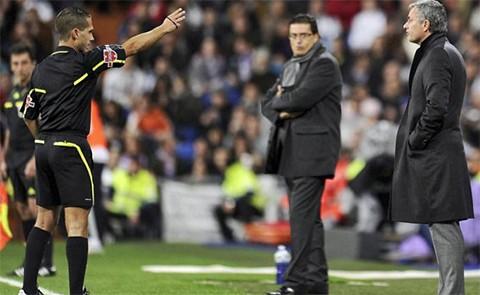 El-arbitro-que-expulso-a-Mourinho-se-postula-como-diputado-en-Espana