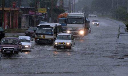 Alerta-naranja-por-lluvias-y-tormentas-electricas-en-cuatro-departamentos