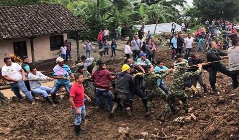 Deslizamiento-de-tierra-deja-al-menos-14-muertos-y-varios-desaparecidos