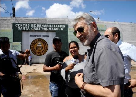 Misa-en-Palmasola,-reclusas-piden-apoyo-a-la-iglesia
