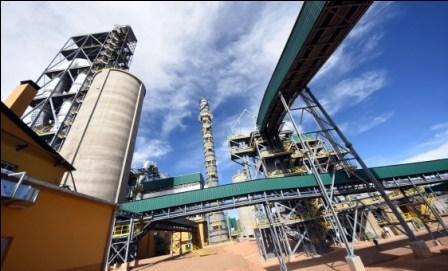 Inician--produccion-de-cemento-en-Oruro