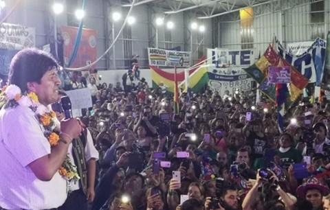 Morales-a-residentes-en-Argentina:--Los-hermanos-que-vuelvan-tienen-tierra-garantizada-