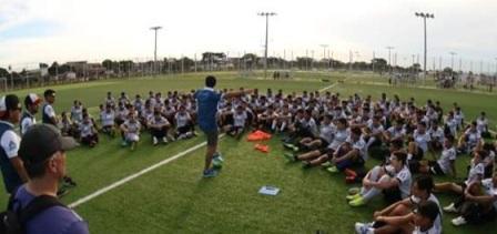Jugar-futbol-y-estudiar-afuera-es-la-apuesta-de-Bolivia-Soccer-Camp-para-los-jovenes-