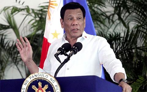Filipinas-amenaza-con-declarar--la-guerra--a-Canada-por-enviar-basura-a-su-pais
