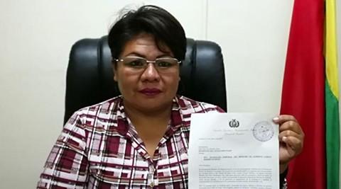 Senadora-de-oposicion-pide-separacion-temporal-del-ministro-Romero