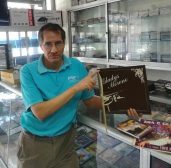 La--era--de-los-discos-compactos--tiene-los--dias-contados--en-las-tiendas-
