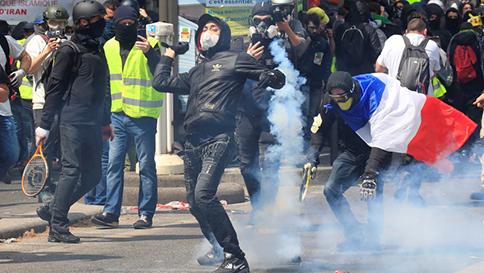 250-detenidos-deja-enfrentamiento-entre-la-policia-y-manifestantes-en-Paris