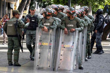 Militares-toman-el-Legislativo-en-Venezuela