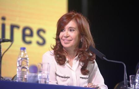 Cristina-sorprende-y-anuncia-candidatura