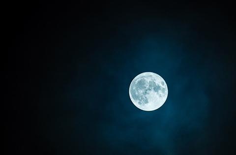 La-ultima--luna-azul--de-la-decada:-¿Por-que-es-especial-esta-vez?