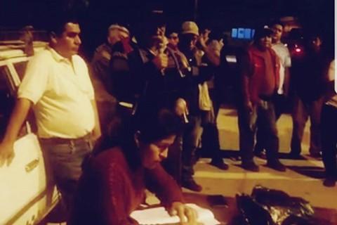 Monteagudo:-Encierran-con-candado-a-autoridades-ediles-en-rechazo-a-credito-municipal