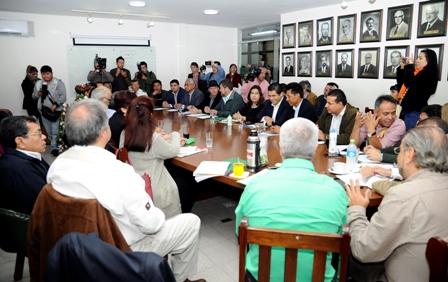 Ultimátum para renuncia total del TSE, Cívicos, Conade y candidatos anuncian movilizaciones