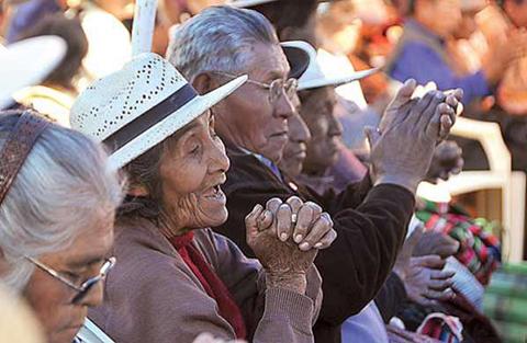 Adultos-mayores-advierten-con-procesos-contra-autoridades-por-el-SUS