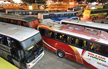 Habilitan-salida-de-buses-de-Santa-Cruz-hacia-el-Beni