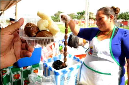 Promocionan-embutidos-previo-a-fiesta-de-San-Juan
