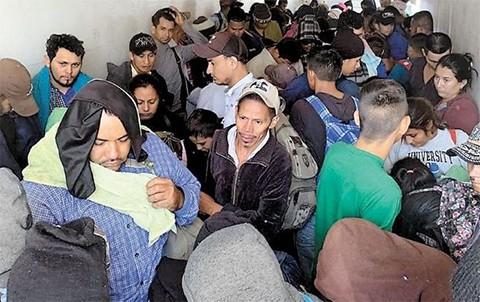 Interceptan-cuatro-camiones-con-791-migrantes-ilegales-en-Mexico