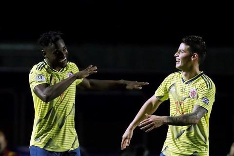 Colombia-vence-a-Qatar-y-avanza-a-cuartos-de-final