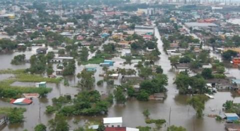 Mas-de-ocho-mil-evacuados-por-mal-tiempo