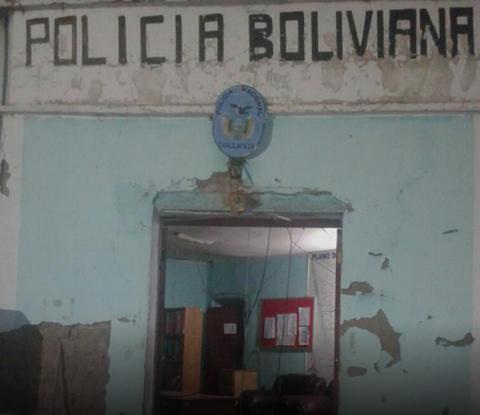Reten-policial-de-Challapata-destruido-por-grupo-de-personas